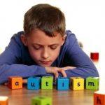 img_como_brincar_com_uma_crianca_autista_2081_600